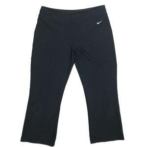 Nike FITDRY Capri Pants